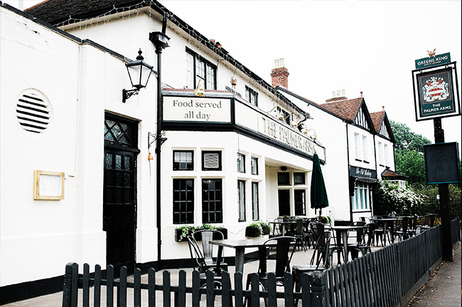 Country Pub & Restaurant in Dorney, Buckinghamshire